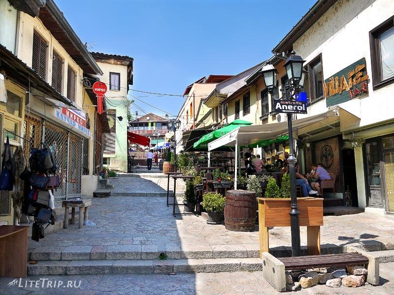 Македония. По туристической улице Скопье