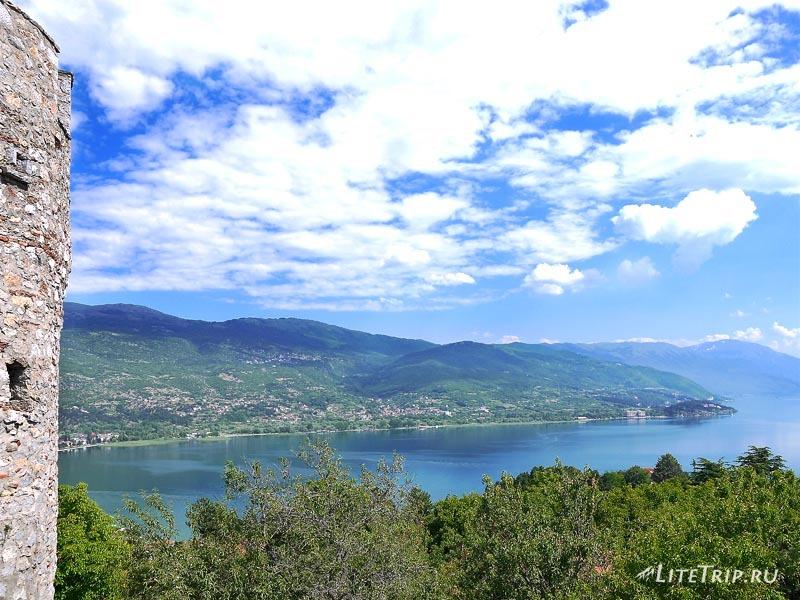 Македония. Вид на Охрид со стен крепости Самуила.