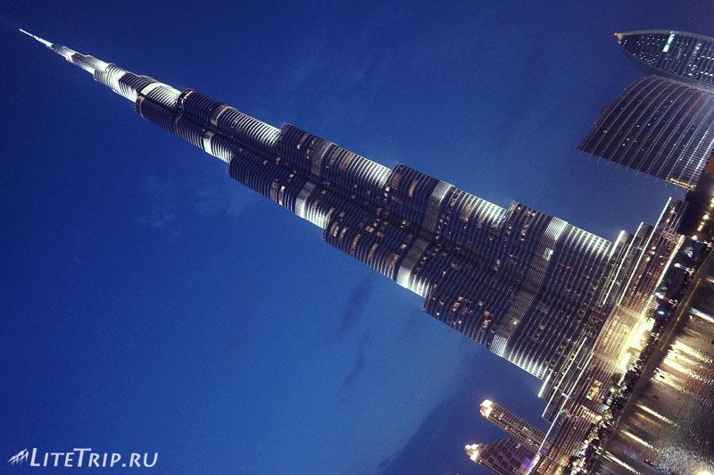 ОАЭ. Дубай. Огромная Бурдж Халифа.
