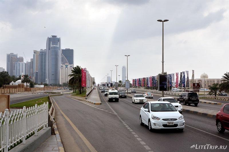 ОАЭ. Шарджа - въезд в эмират.