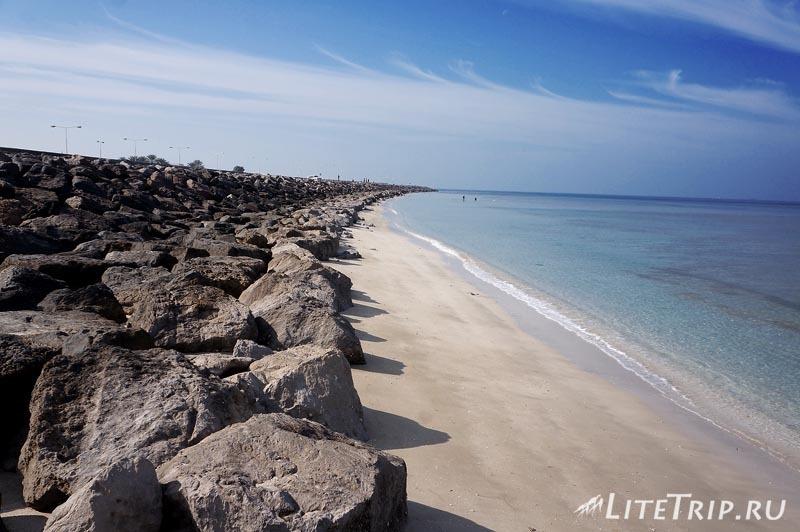 ОАЭ. Чистые безлюдные пляжи в Ум Аль Кувейн.