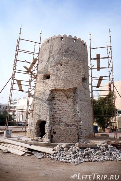 ОАЭ. Рас аль Хайма - старая сторожевая башня.
