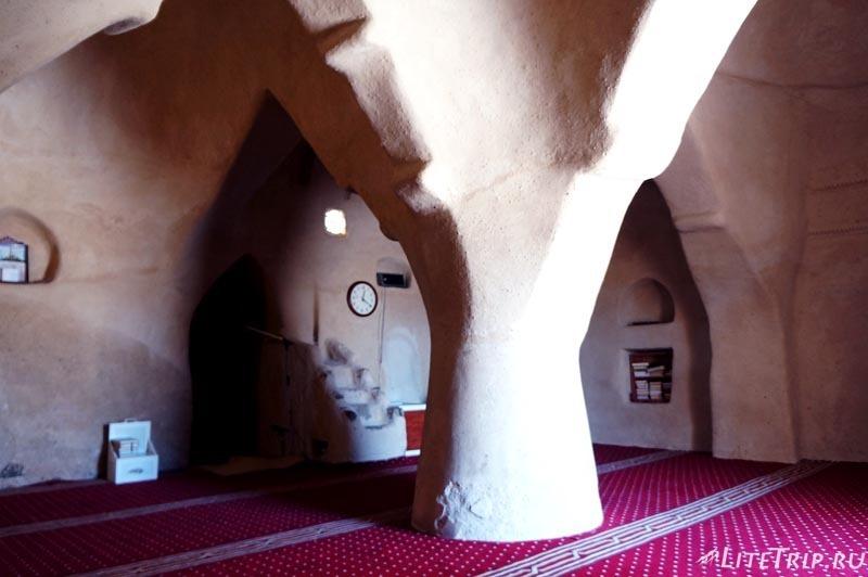 ОАЭ. Мечеть Аль Бидья - внутри.
