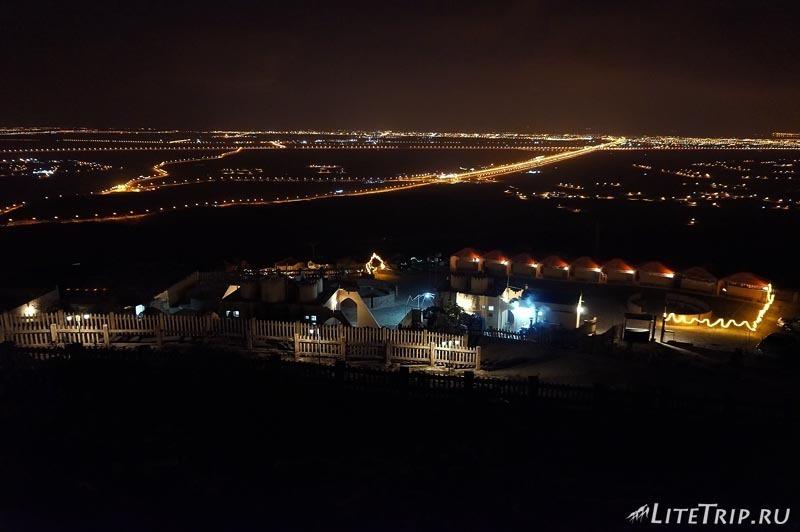 Оман. Салала - огни города.