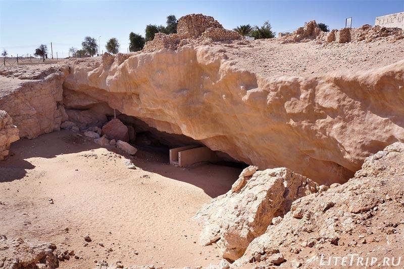 Оман. Шиср - спуск в пески к древнему городу Убар.
