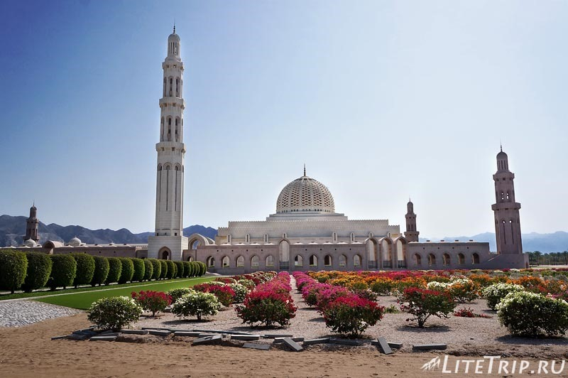 Оман. Главная мечеть султана Кабуса.