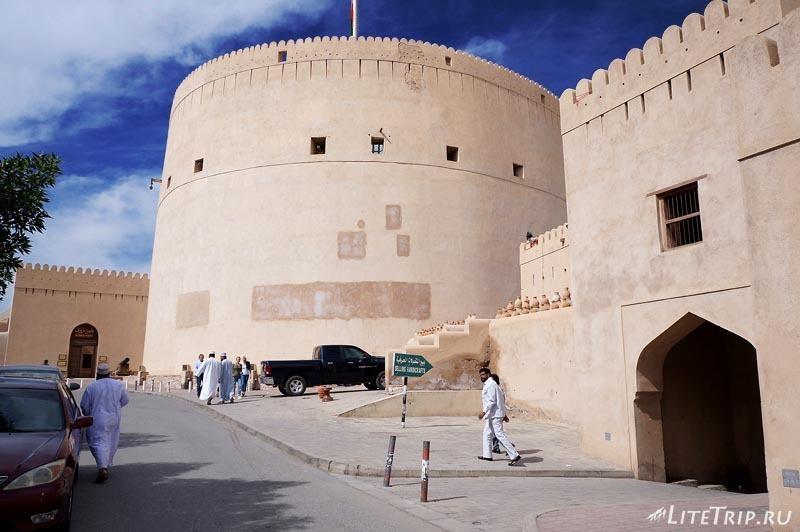 Оман. Низва - форт.