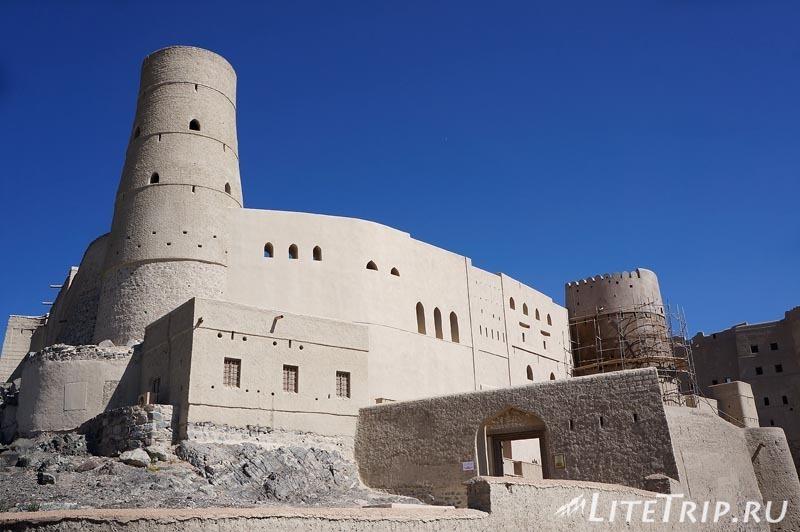 Оман. Бахла - форт.