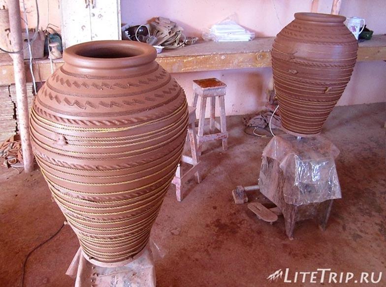 Оман. Бахла - мастерская по глиняным горшкам.