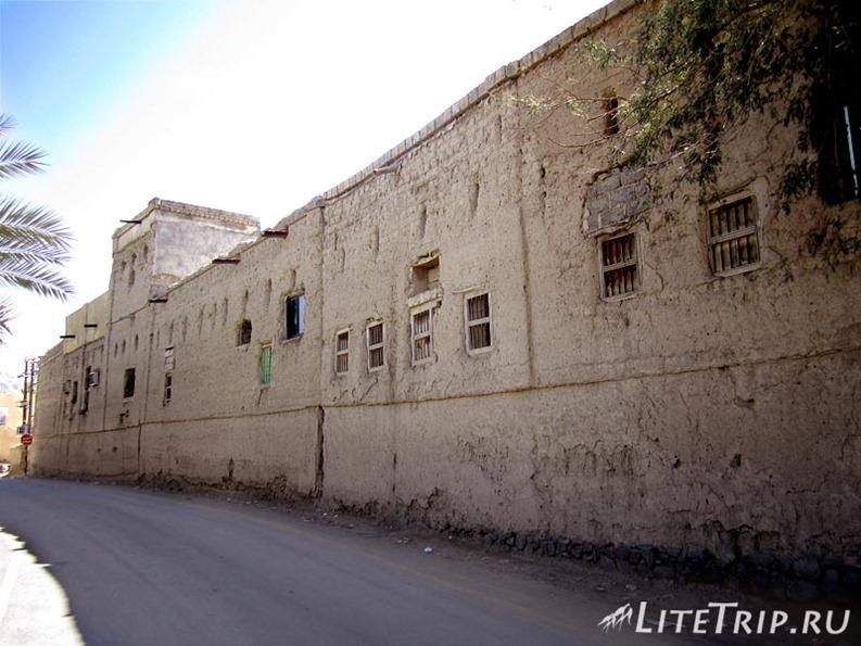 Оман. Бахла - старые дома города.