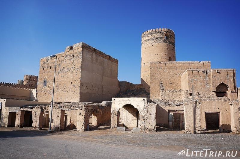 Оман. Мудариб - развалины города.