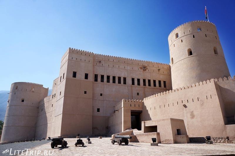 Оман. Рустак-форт.