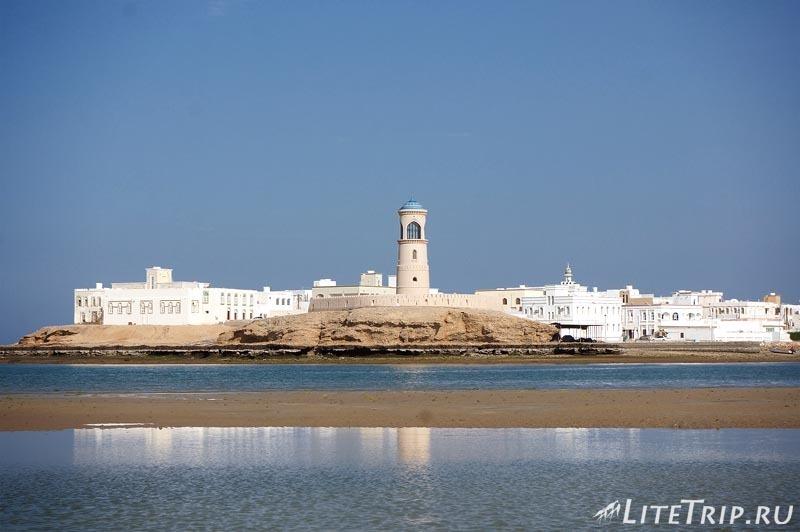 Оман. Город Сур - маяк.