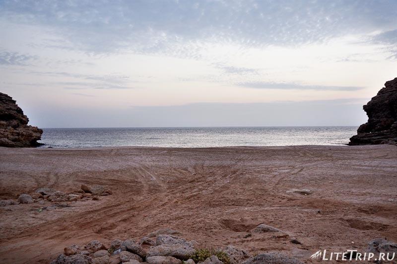 Оман. Рас Аль Джинз. Бесплатный черепаший пляж.