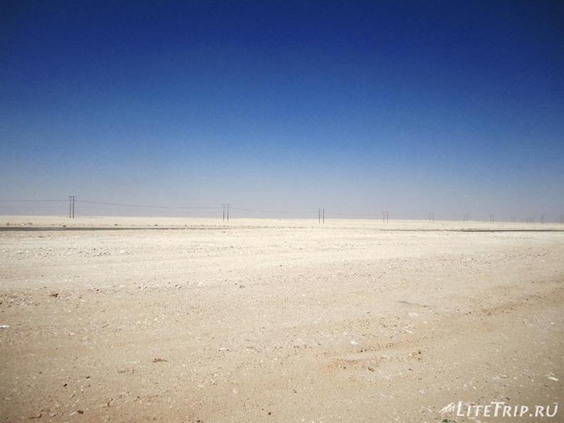 Оман. Дорога в Салалу - белая пустыня.