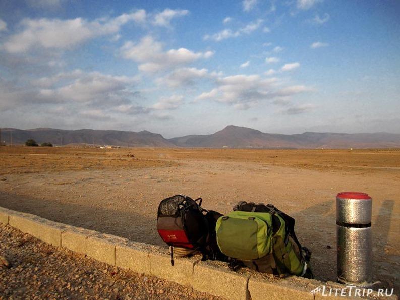 Оман. Горы Салалы - вечерний пикник.