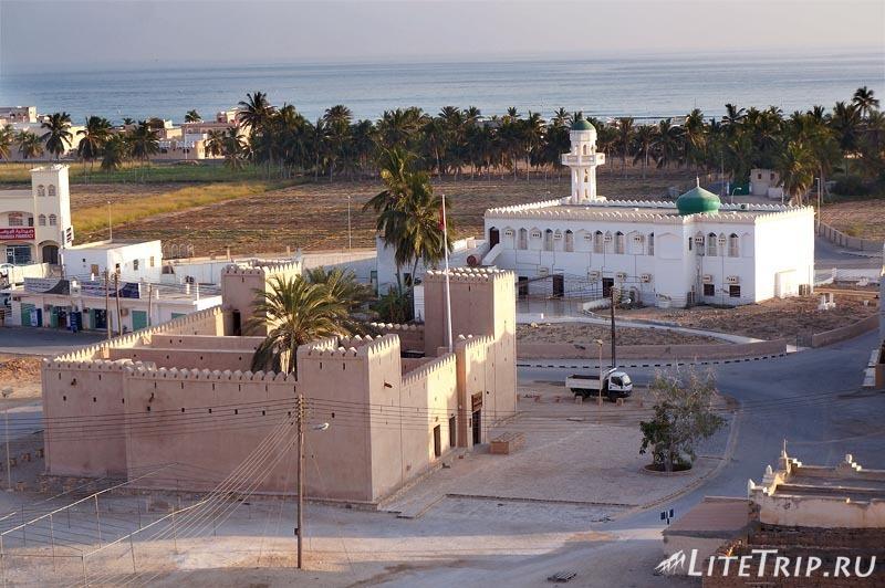 Оман. Салала. Аттака - вид с форта на город.