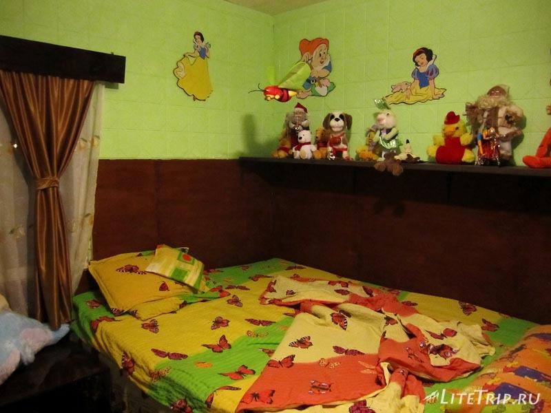 Румыния. Город Плоешти - наша комната.