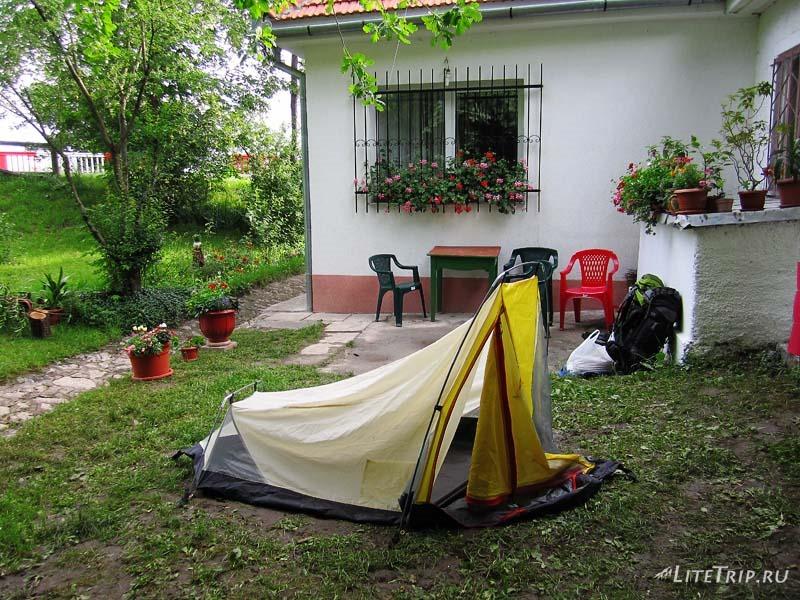 Румыния. Палатка в Брашове.