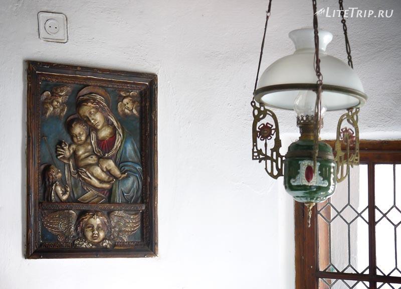 Румыния. Замок Дракулы в Бране. Декор.