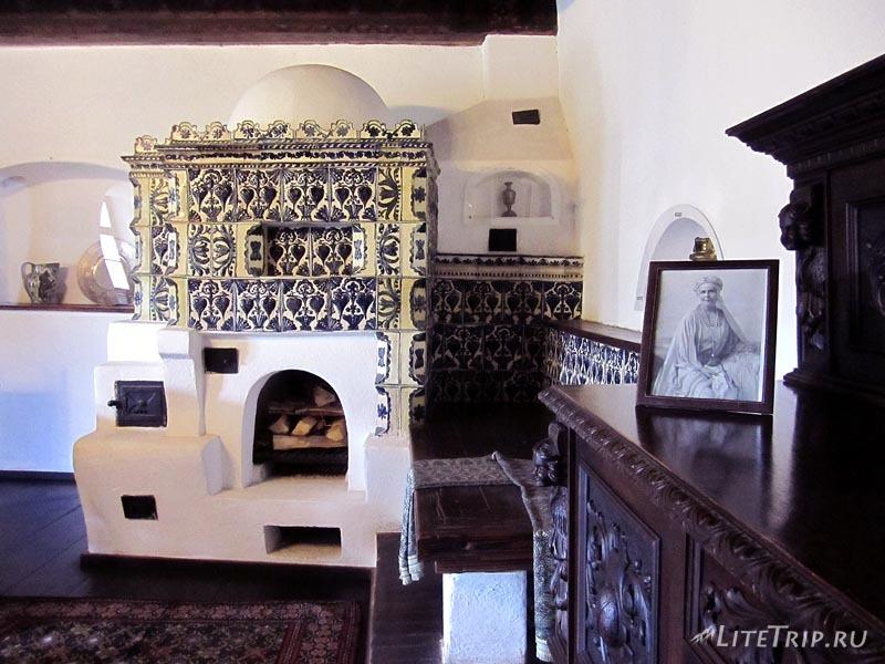 Румыния. Замок Дракулы в Бране. Комната.