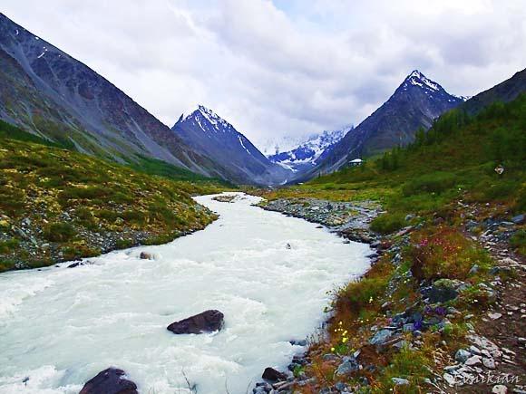 Алтай. Горная река.