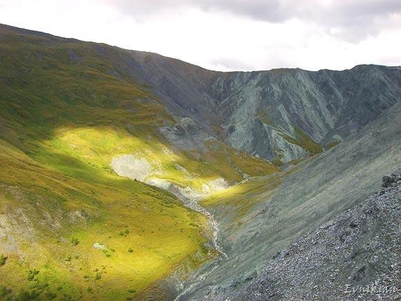"""Гора """"алтарь мира"""" - вид слева"""