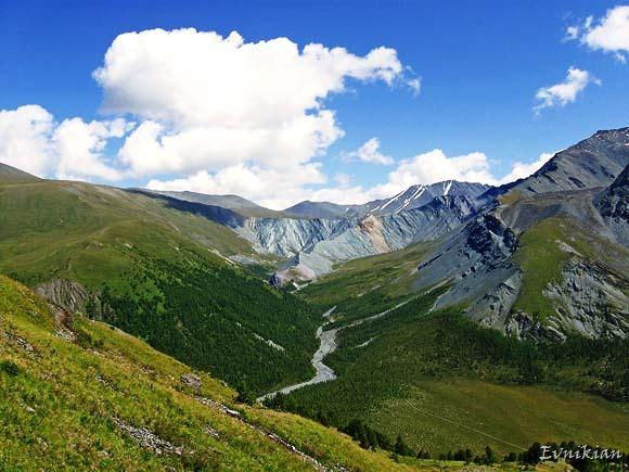 Долина Ярлу с вершины Каратюрека