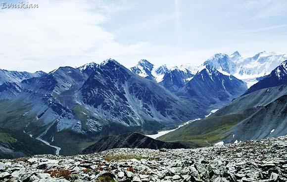 Вид гор с перевала