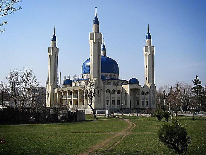 Россия. Майкоп - мечеть.