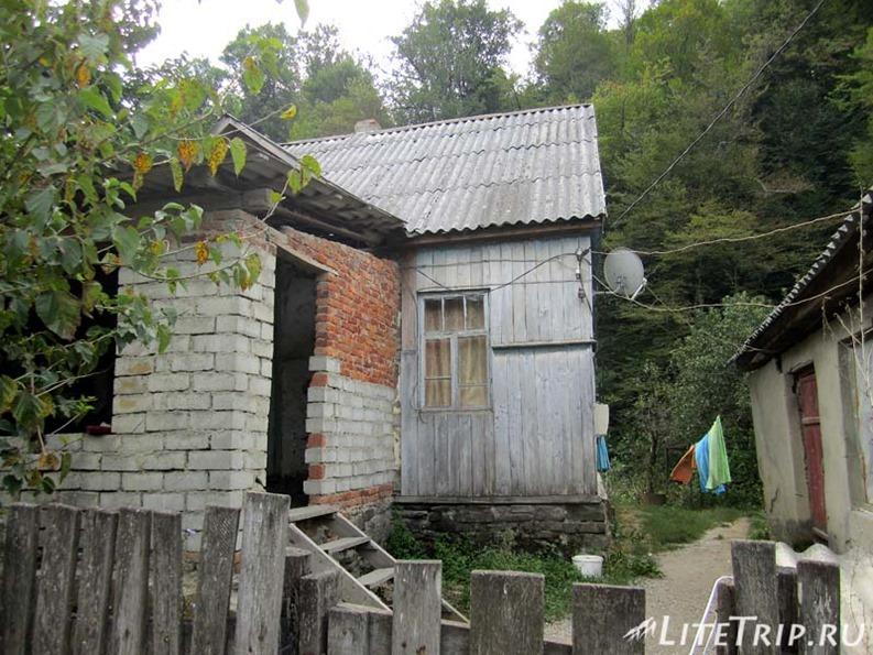 Россия. Дом Лиды в деревне Шаумян.