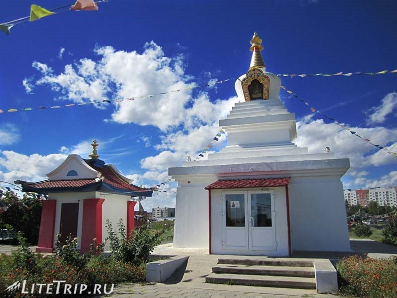 Россия. Элиста (Калмыкия) - буддийский храм.