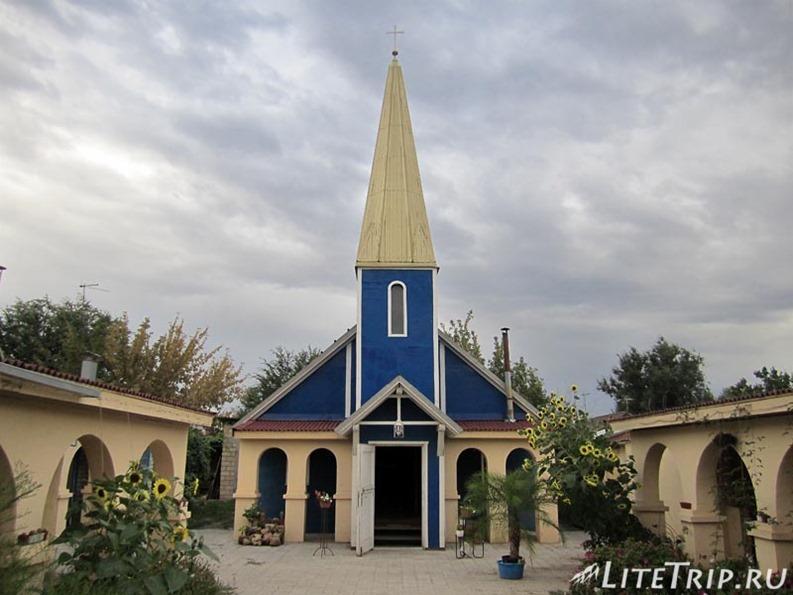 Россия. Элиста (Калмыкия) - католическая церковь.