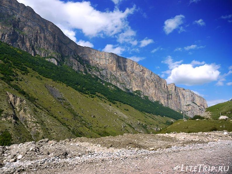 Россия. Верхняя Балкария - горы ущелья.