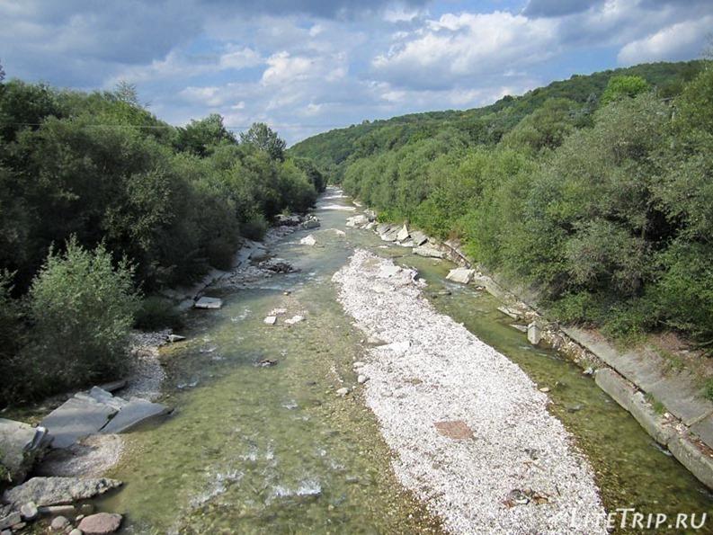 Россия. Кабардино-Балкария. Нальчик - река.