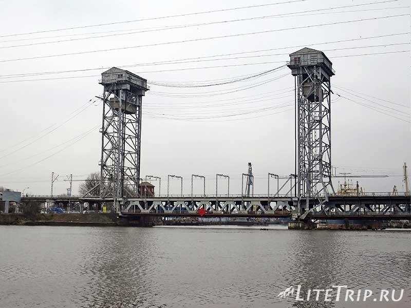 Калининград. Двухъярусный мост.
