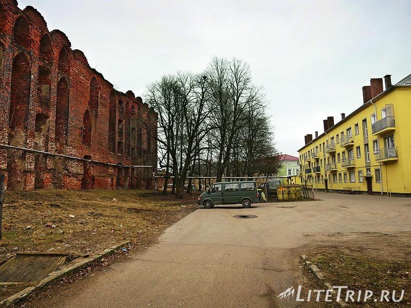 Калининградская область. Неман. Замок Рагнит во дворах.