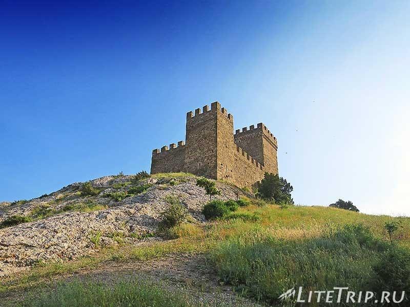 Крым. Судак. Генуэзская крепость. Консульский замок.