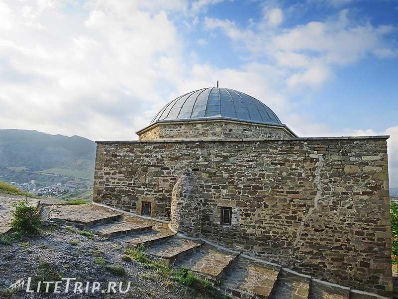 Крым. Судак. Генуэзская крепость. Мечеть-музей
