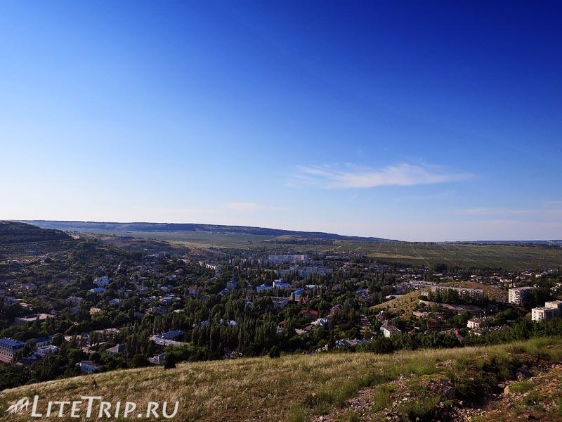 Крым. Балаклава. Вид на город с горы.