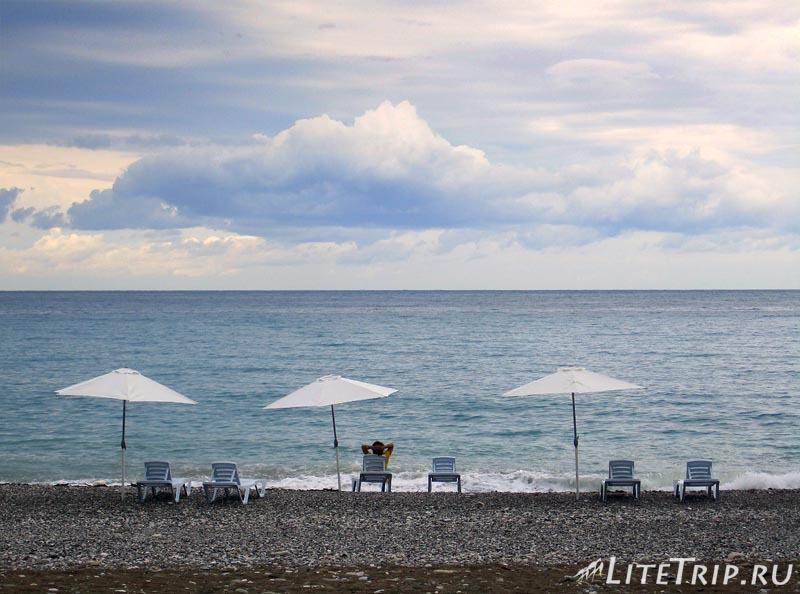 Абхазия. Гагра (Гагры) - пляж и море.
