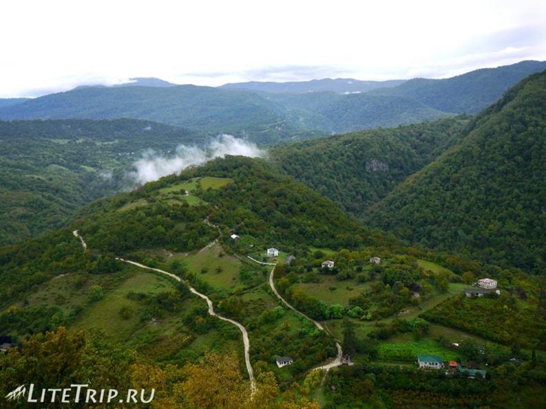 Абхазия. Новый Афон. Анакопийская крепость - вид с башни.