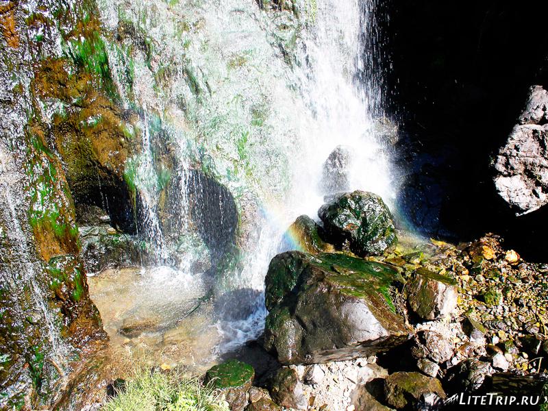 Водный поток водопада Шаки в Сисисане