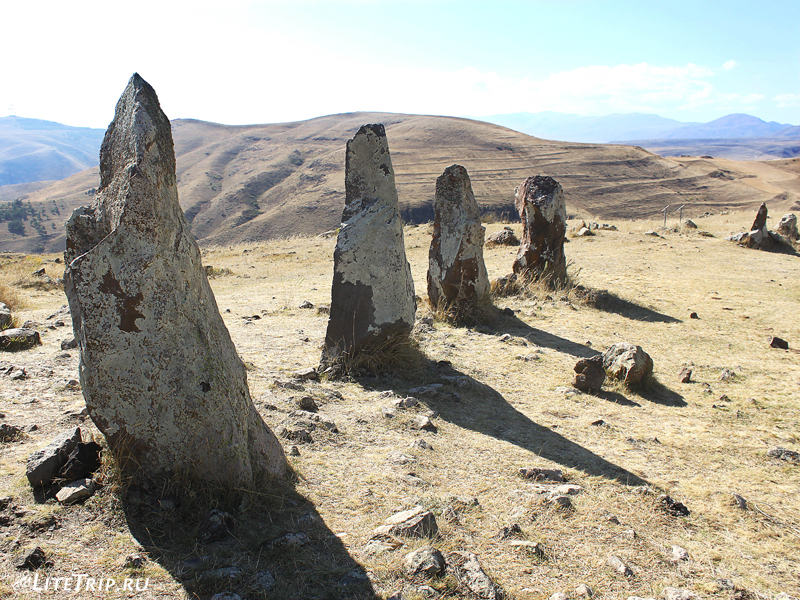 Армянский стоунхендж - Зорац-Карер (Караундж), камни в ряд