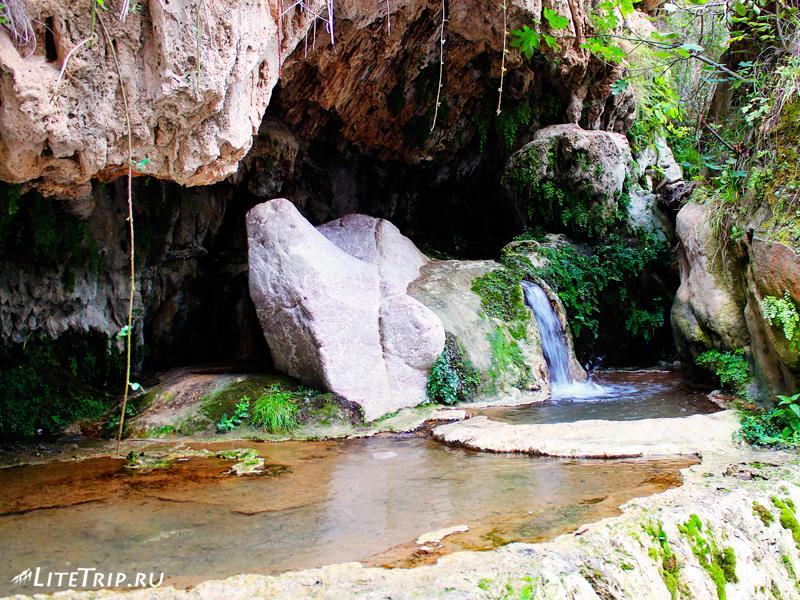 Мост Сатаны и минеральные источники, ванны