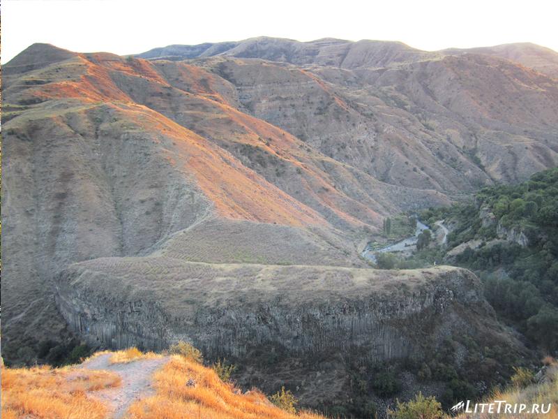 Вид на ущелье от храма Гарни