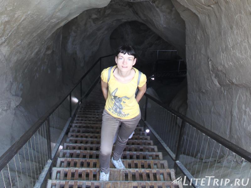 Проход через одну из пещер в Уплисцихе