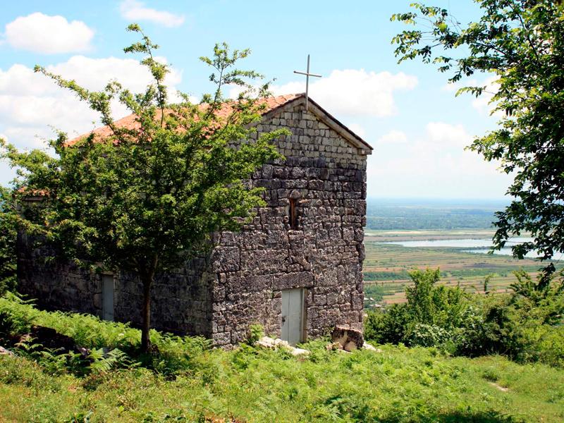 Церковь на территории верхней крепости Нокалакеви