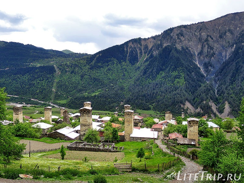 Грузия. Сванетия. Село Лахири. Сванские башни.