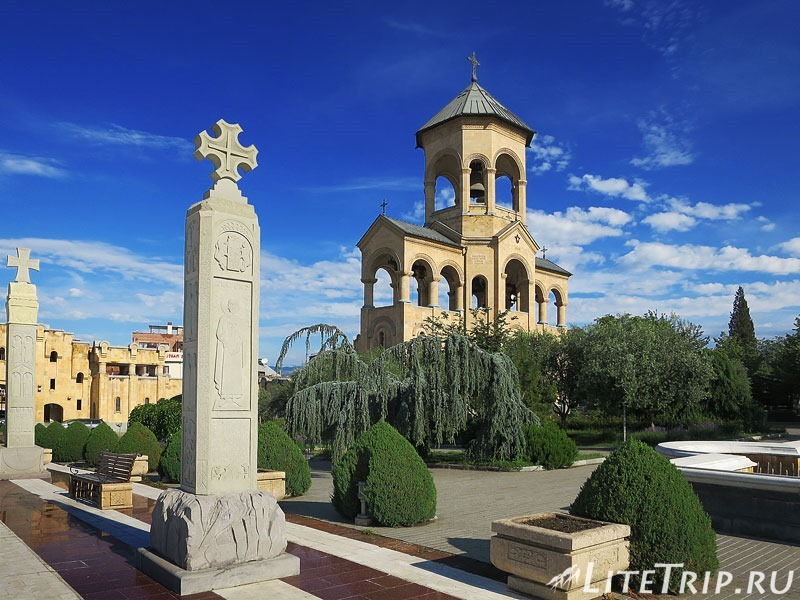 Грузия. Тбилиси. Собор Святой Троицы (Цминда Самеба)